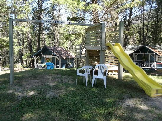 Fairmont Mountain Bungalows : The larger kids playground