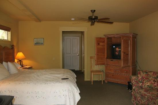 Inn at Ship Bay: Interior of room