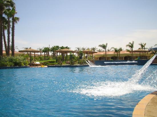 Maritim Jolie Ville Golf & Resort: Pool area
