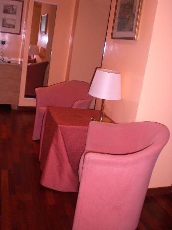 Hotel Cecil: Un angolo della Junior suite