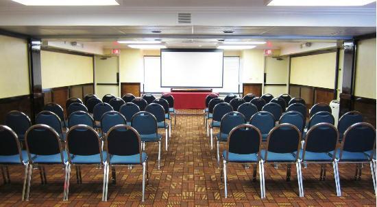 Comfort Inn University : Meeting Space