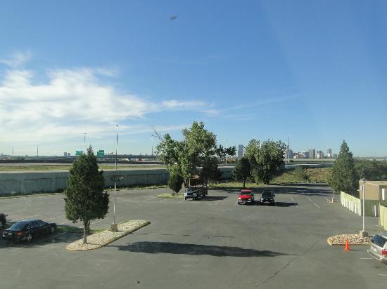 Quality Inn Central Denver: Vista desde la habitación, la autopista