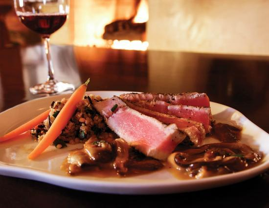 Artesian Restaurant: Peppered Tuna with Shiitake mushrooms & ginger butter