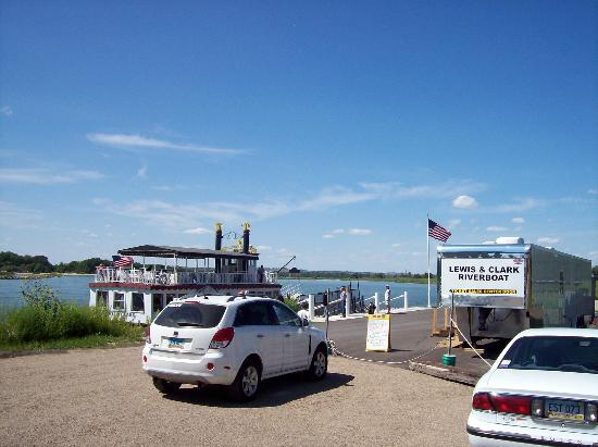 Lewis and Clark Riverboat: Ticket Office in trailer