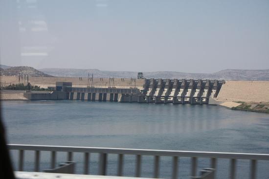 Провинция Шанлыурфа, Турция: River Euphrates at Atatak