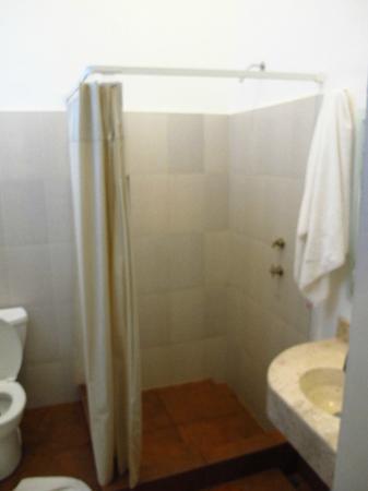 Mexico City Hostel: double room bathroom