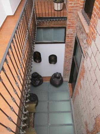 Mexico City Hostel: hallway