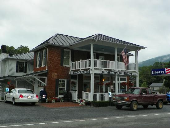 The Swinging Bridge Restaurant: Another view of General Store
