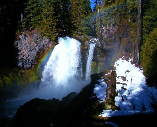 Sisters, OR: Sahalie Falls in winter