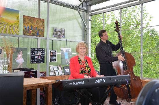 Patowmack Farm: A little jazz with Sunday Brunch...