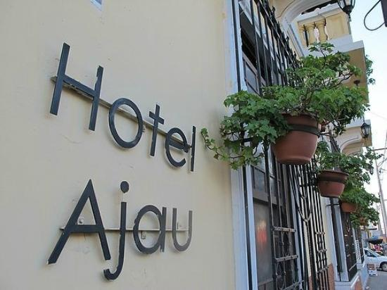 Hotel Ajau: Front view of the Hotel