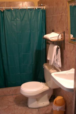 Hotel Ajau: Private Bathroom.