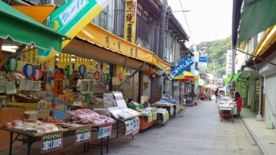 Yobuko Morning Market: 庶民的な朝市