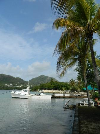 The Catamaran Hotel: Beautiful View from the hotel