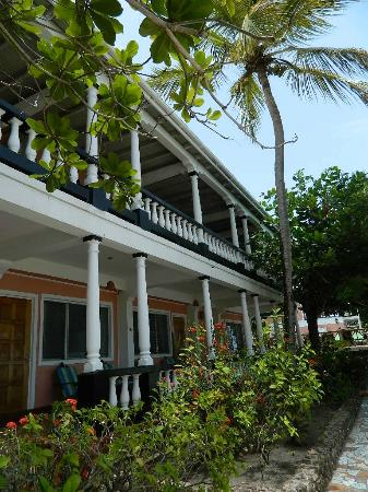 The Catamaran Hotel: Beach Front and Second Floor Superior Vew rooms