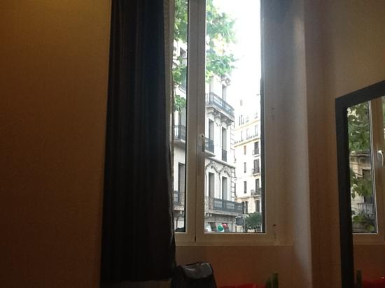 Hostal Bcn 46 : photo from bed