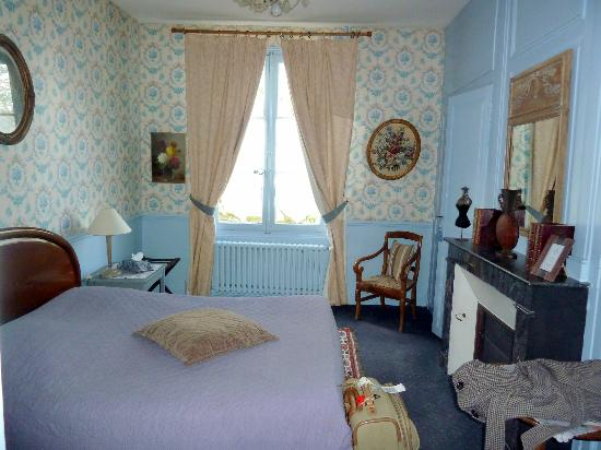 Chateau de Pintray : our room