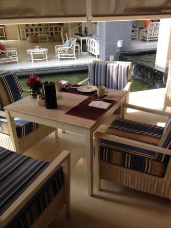 Rest Detail Hotel Hua Hin: outdoor breakfast