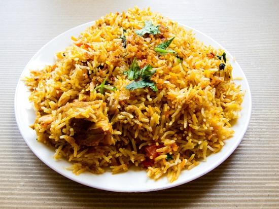 Spice Hut Indian Cuisine.: chicken biryani