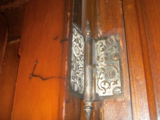 Spencer House Bed and Breakfast: vintage hardware