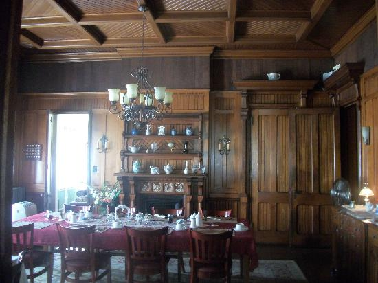 Spencer House Bed and Breakfast: dining room