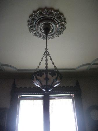 Spencer House Bed and Breakfast: ceiling
