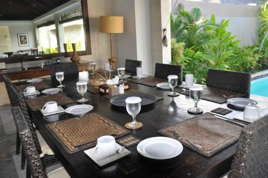 Chandra Luxury Villas Bali: Our Dining area