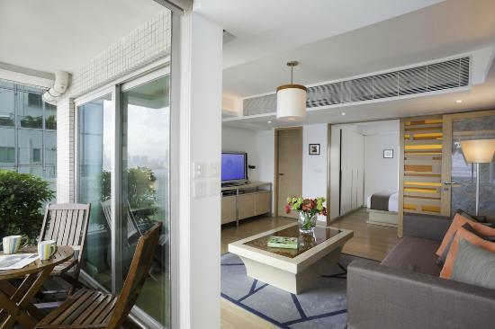 CHI Residences 120: CHI 120 Living