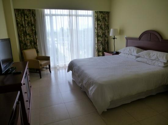 Sheraton Bijao Beach Resort: Very basic bedrooms