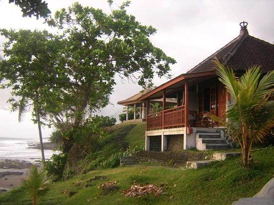 Soka Indah Restaurant & Bungalows : sea view rooms
