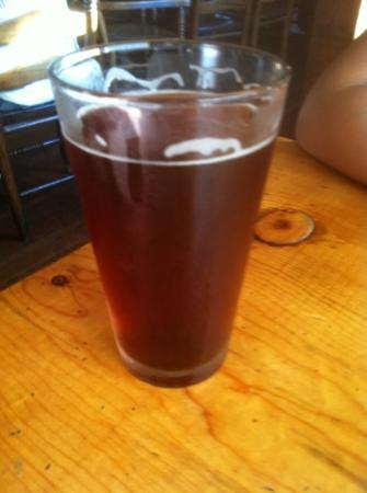 Kern River Brewing Company : sequoia red