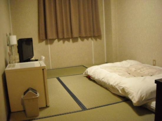 Ebisu Hotel: エビス ホテル