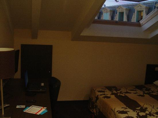 Hotel Trocadero: room