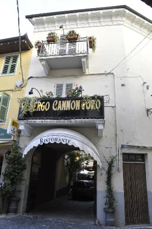 View of the Cannon D'oro entrance from the Piazza Cavour
