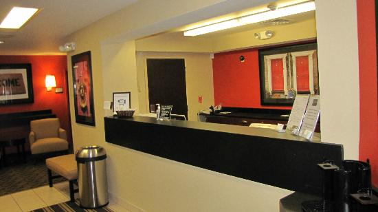 Extended Stay America - Tacoma - Fife: front desk