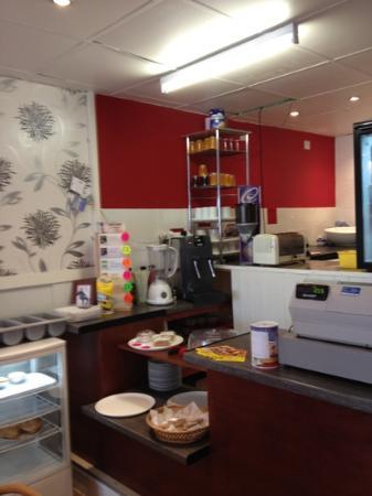 Cafe Central: counter