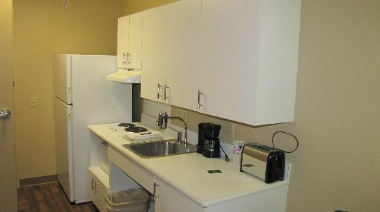 Extended Stay America - Tacoma - Fife: full kitchen
