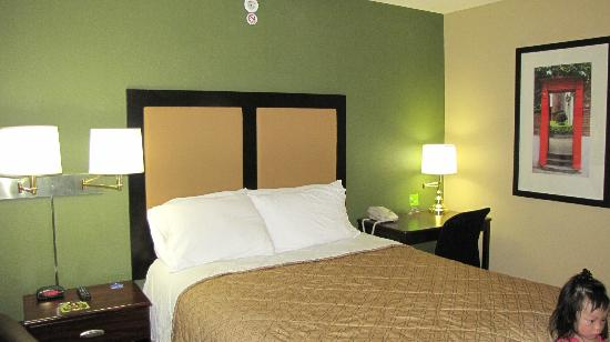 Extended Stay America - Tacoma - Fife: small bed