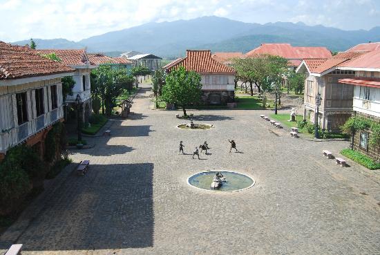 Las Casas Filipinas de Acuzar: plaza