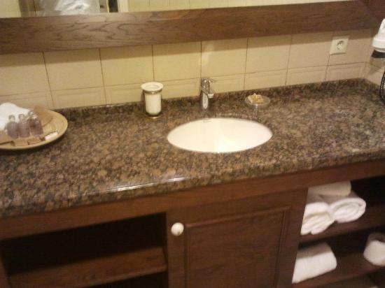 Alacati Kapari Hotel : Top Bathroom
