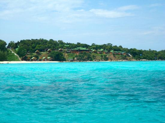 Koh Lipe island hopping view of crystal clear waters. - Picture of Ko Lipe, K...
