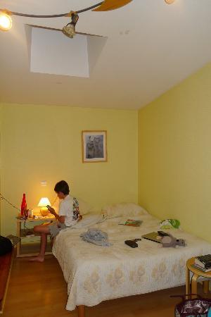 Atlantis Hotel Mimizan : chambre spacieuse!!!!!!