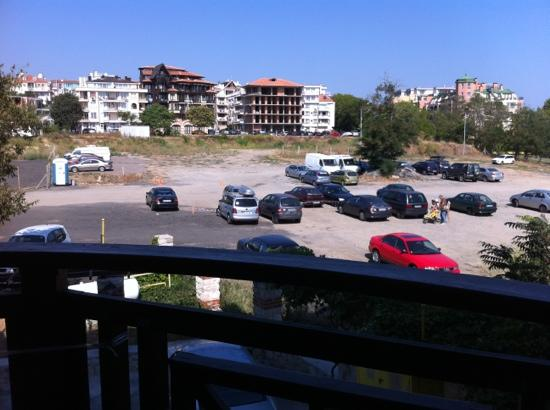 The Mill Hotel & Restaurant: this is room with Park View (or parking?)4