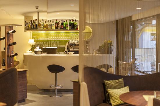 Restaurant Flair: Bar