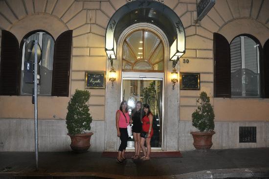 Hotel Virgilio: Hotel entrance