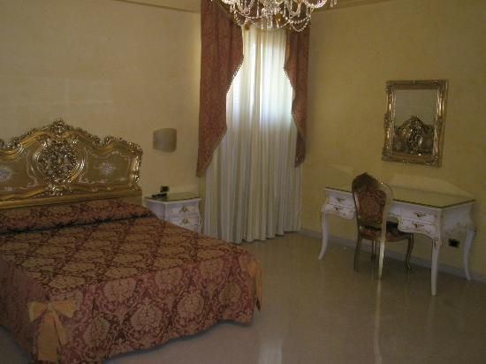Hotel Riva del Sole : Zimmer