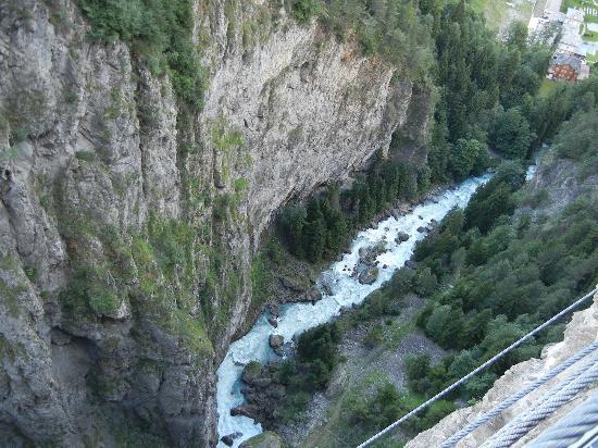 Parco Avventura Mont Blanc: panorama dalla piattaforma sul canyon