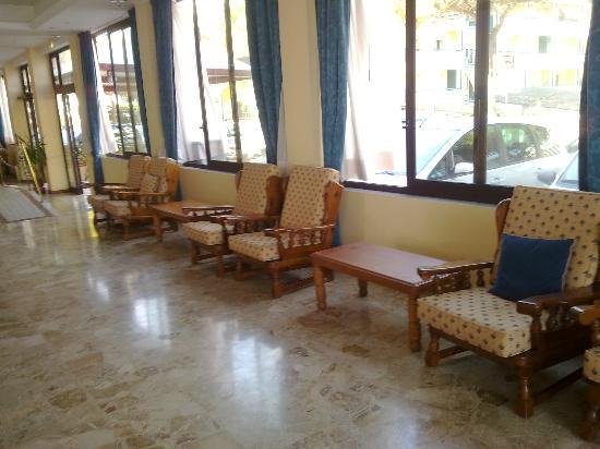 Hotel Columbus: Sala accento alla hall