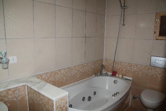 Heybe Hotel: Bagno