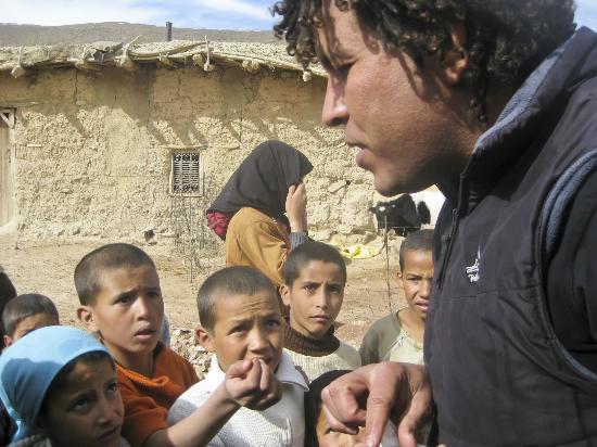 AzulAventuras: Hamid con chicos del Atlas